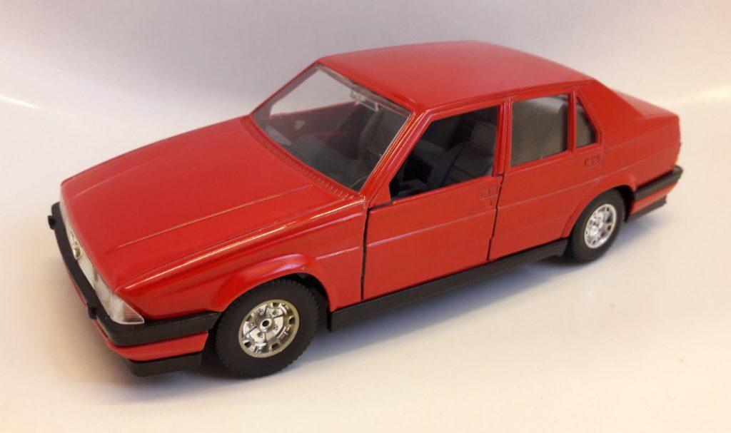Alfa Romeo 75 Image