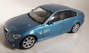 BMW 330i Image