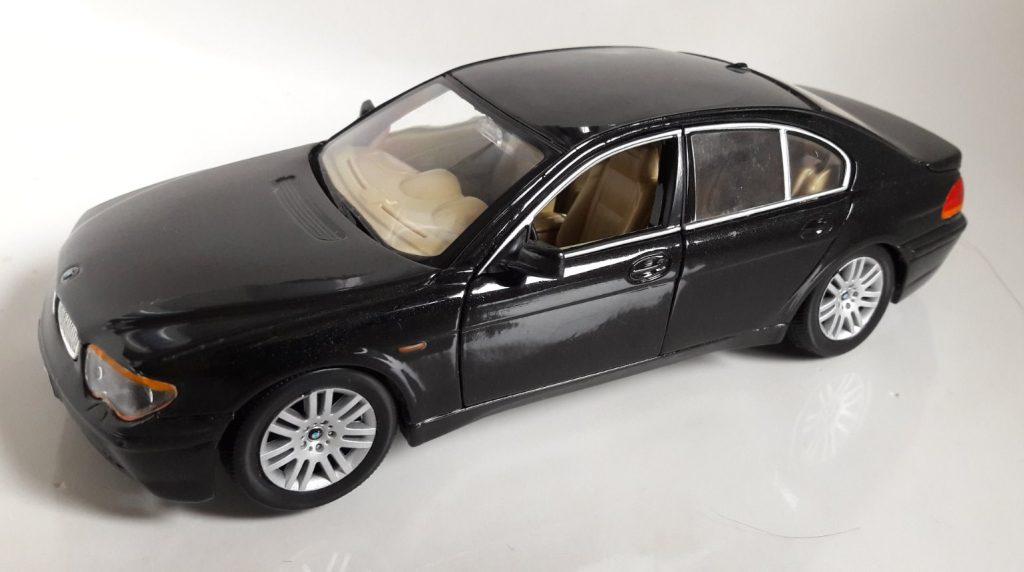 BMW 745i Image