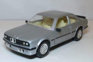 BMW 323i Image
