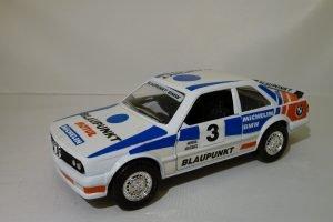BMW 323i #3 Blaupunkt Image