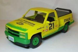 Chevrolet Silverado Sport Side #21 Image