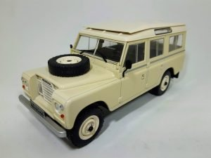 Land Rover 109 Serie III Image